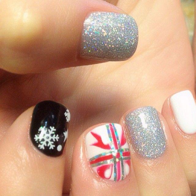 Jessica Christmas Nails: Christmas By Jeniferdinh #nail #nails #nailart
