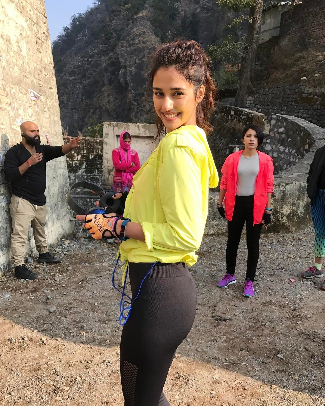Disha Patani all Size, Hip, Bra, Waist, Height, Weight, Age, Affairs, Biography & More