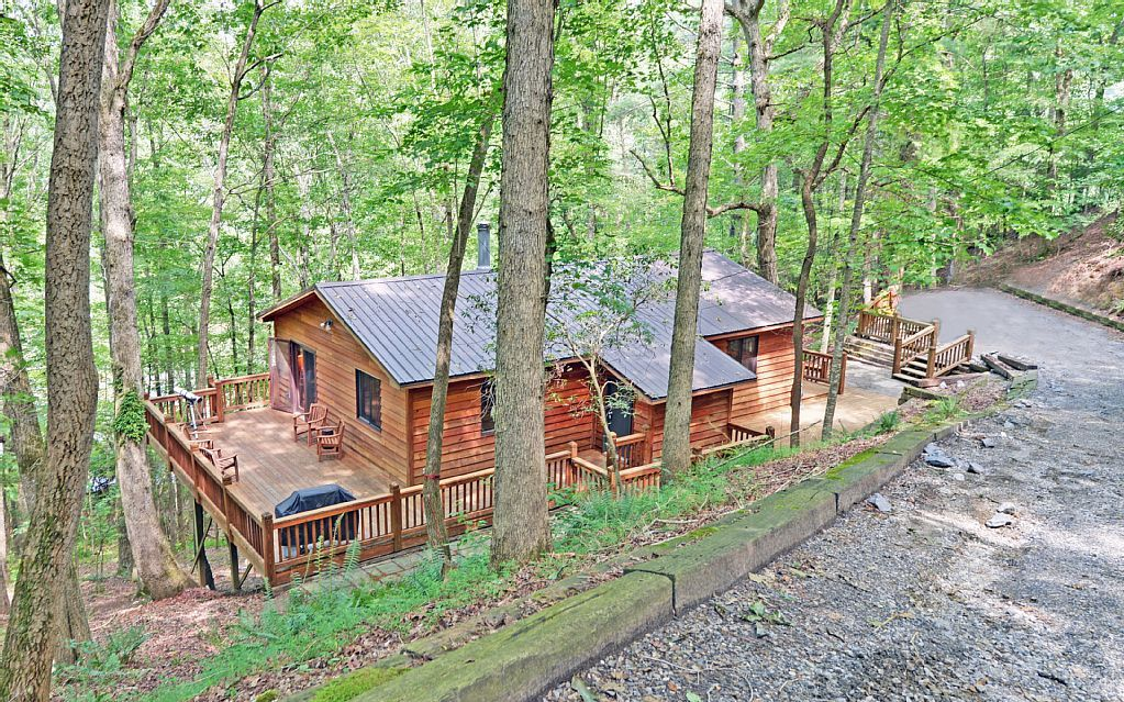 cabins home helen asp l wooded cabin rental ga views rentals vacation cottage merilee bedroom
