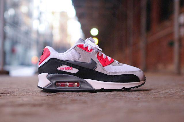 NIKE AIR MAX 90 ESSENTIAL (COOL GREY INFRARED) | Sneaker