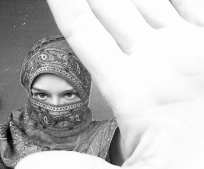 NO AL MACHO - WOMANWORD Ayer fue el día contra la #violenciamachista Aquí mi crítica y autorretrato. Por Rocío Pastor Eugenio.