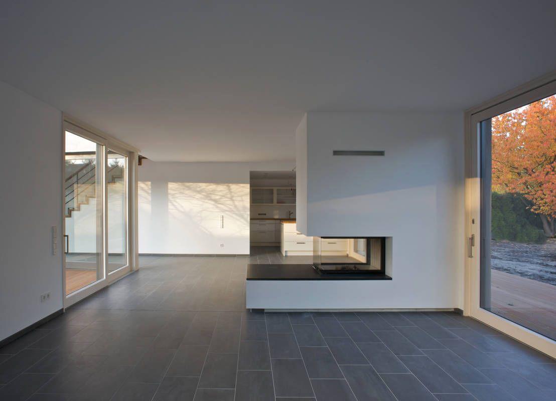 Modernes bungalow innenarchitektur wohnzimmer homify  comedor  pinterest  bungalow interiors and divider