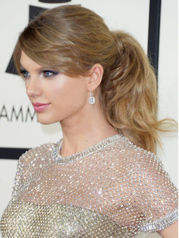 """Detalle de la cola de caballo de Taylor Swift"""