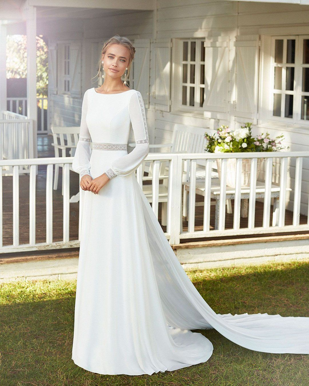 18 CUTE MODEST WEDDING DRESSES TO INSPIRE in 18   Wedding ...