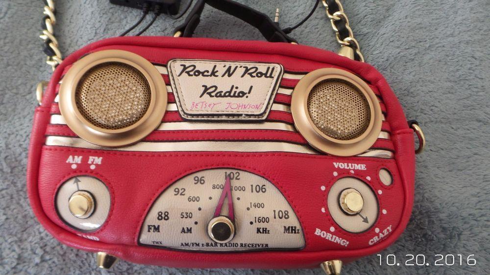 RARE BETSEY JOHNSON ROCK N ROLL RADIO BETSEY JOHNSON PURSE #BetseyJohnson #MessengerCrossBody | Betsey johnson purses, Betsey johnson,...