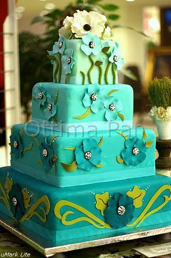 turquoise nature - This cake was inspired by a great designer, loved how the colors turned out, also the flowers are uncommon