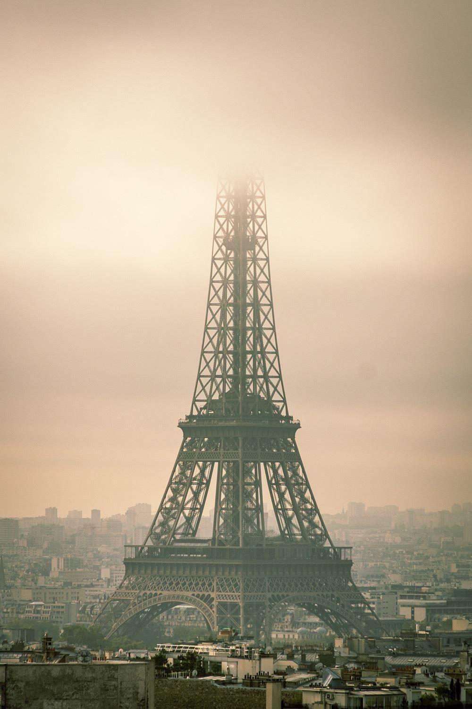 Map Of France Eiffel Tower.Shrouded In Fog Eiffel Tower Paris France V France Paris Ile