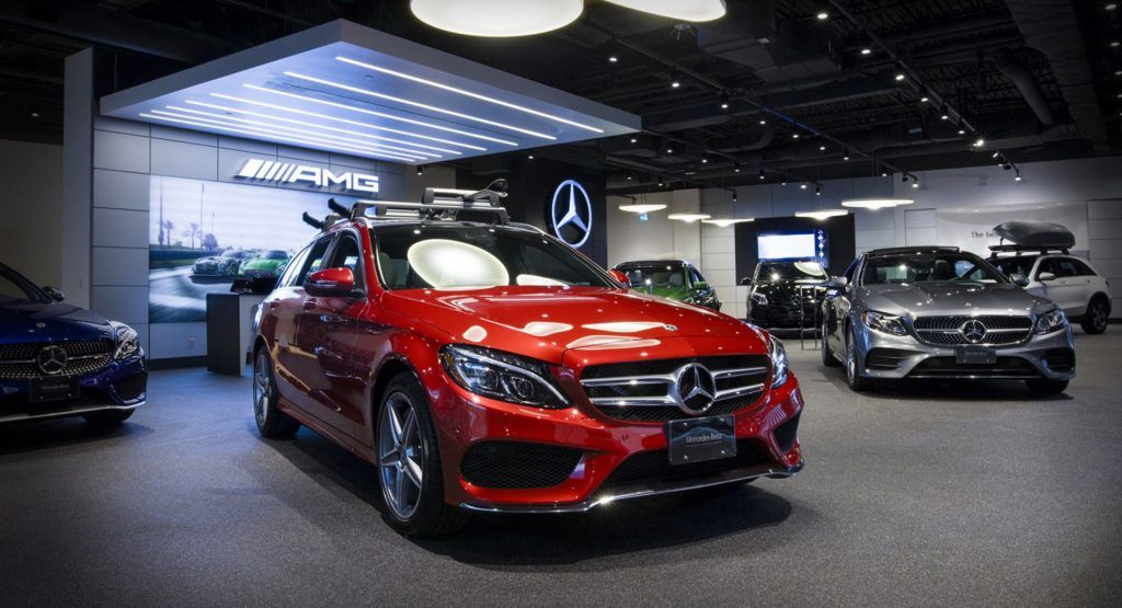 Canadian Auto Dealers Plead For Government Assistance Fearing Sales May Fall Up To 40 Car Dealer Car Dealership Car Inspiration