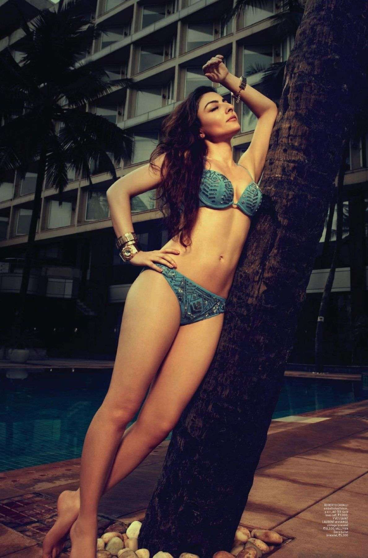 Soha Ali Khan Hot Unseen Bikini Photo 1  Soha Ali Khan -5334