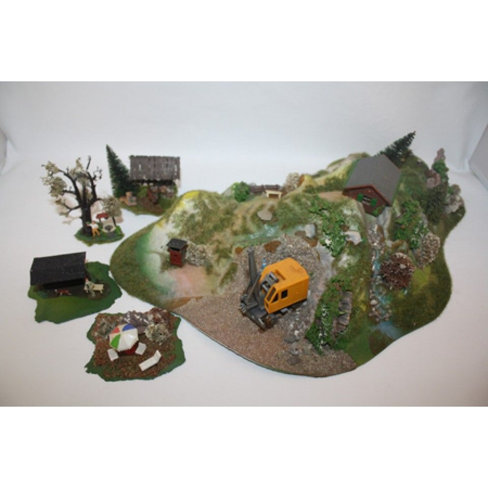 DIORAMA OF MOUNTAIN CONSTRUCTION ZONE ++++ KIT TRAIN HO