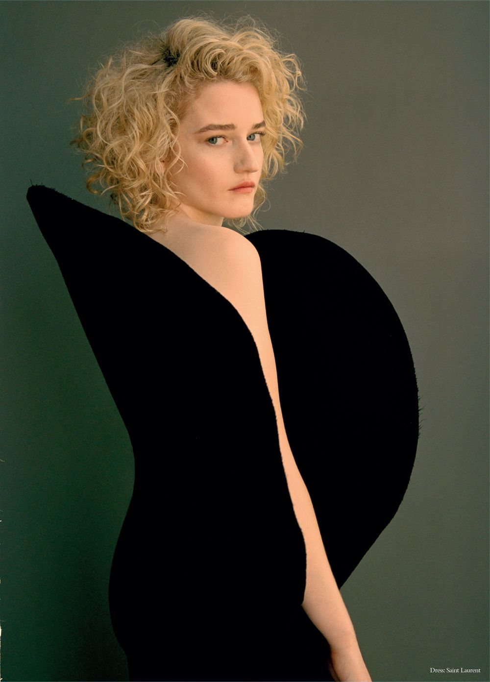 Julia Garner Nude Photos 71