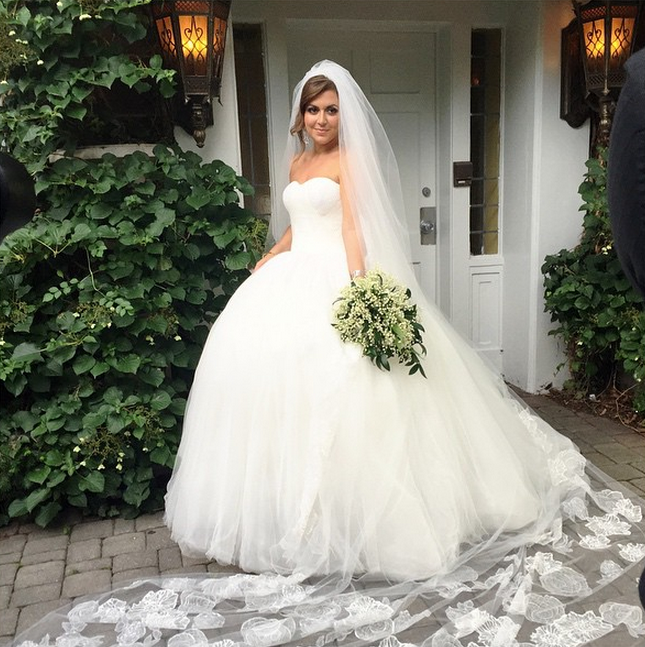 Photos Lauren Manzo Marries Vito Scalia See Her Gorgeous Gown And Photos Wedding Dresses Princess Ballgown Gorgeous Gowns Princess Wedding Dresses