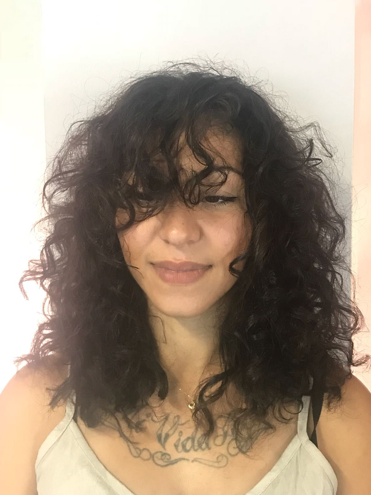 Coiffure cheveux boucles pinterest