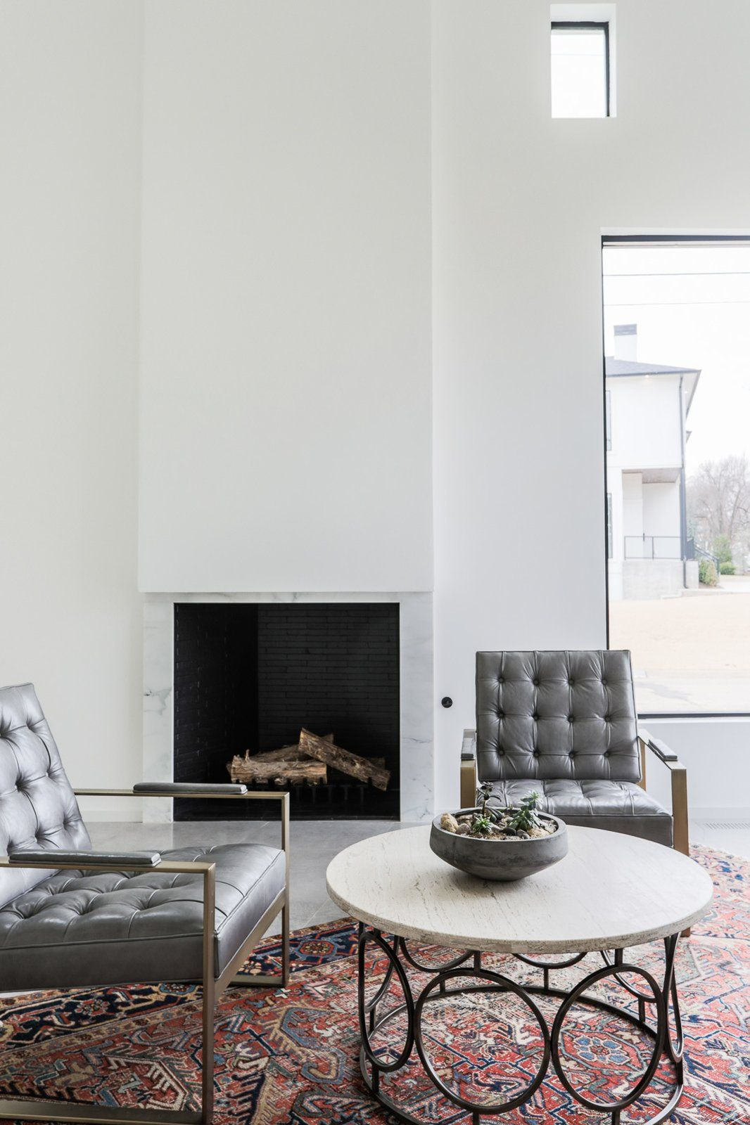 5 Homes With Cozy Modern Fireplaces Living Room Designs Modern Fireplace Fireplace Design