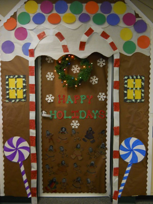 Gingerbread house door decorating contest google search for Porte decorate scuola