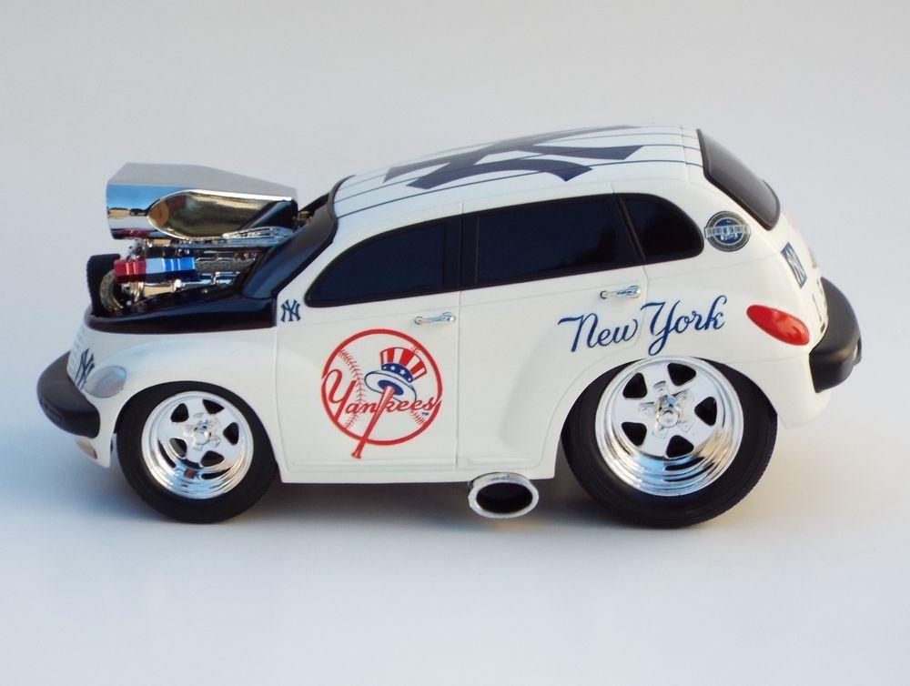 Muscle Machines Custom New York Yankees PT Cruiser Hot Rod Car 1 ...