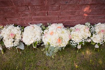Photo from Marko & Lindsay collection by Alissa Ferullo Photography Bouquets by Valley Flowers
