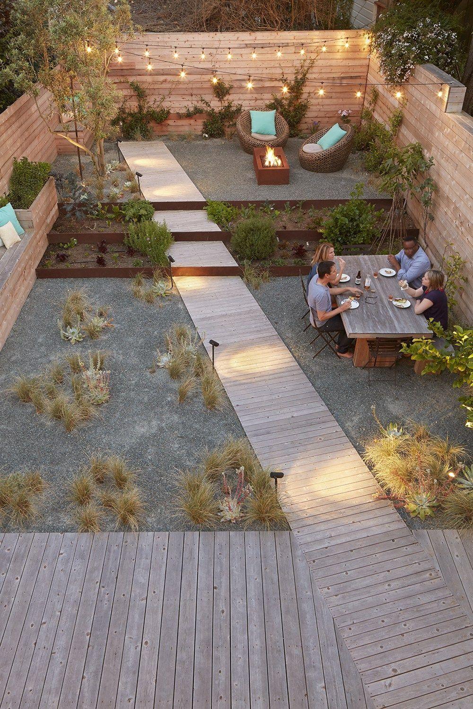 diagonal path across a contempoary garden adamchristopherdesign.co.uk
