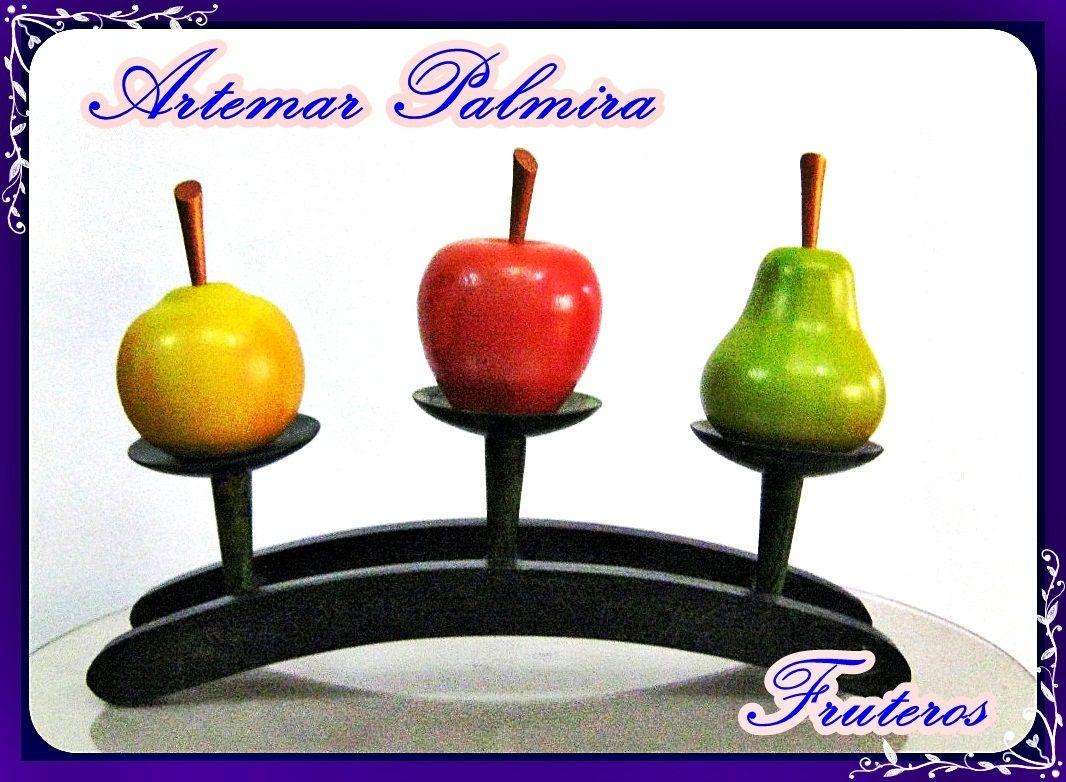 Frutas pintadas con oleos y hermosos soportes.