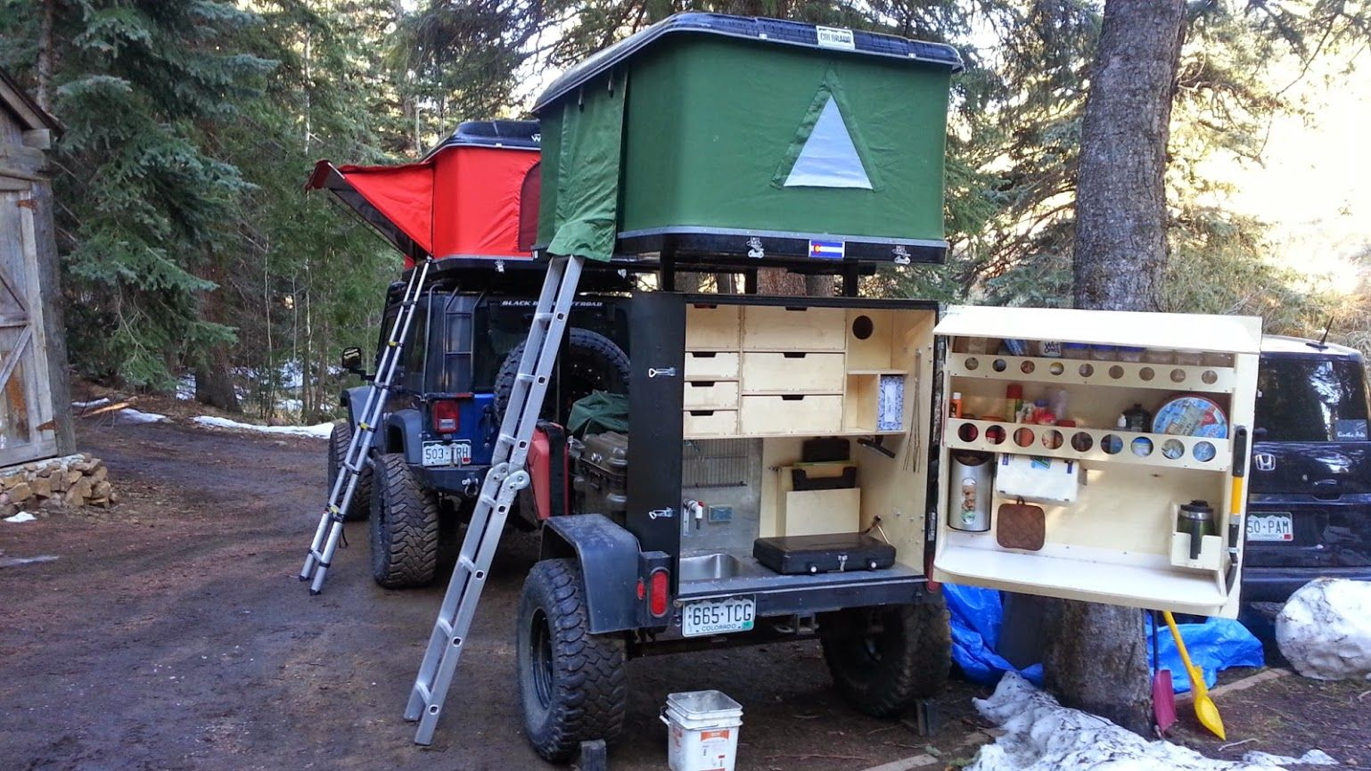 rooftop trailer and tent