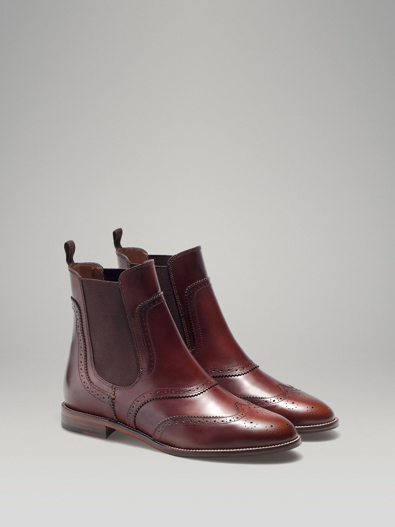 BROWN STRETCH ANKLE BOOT by Massimo Dutti || Natural antik leather ankle  boot with brogue