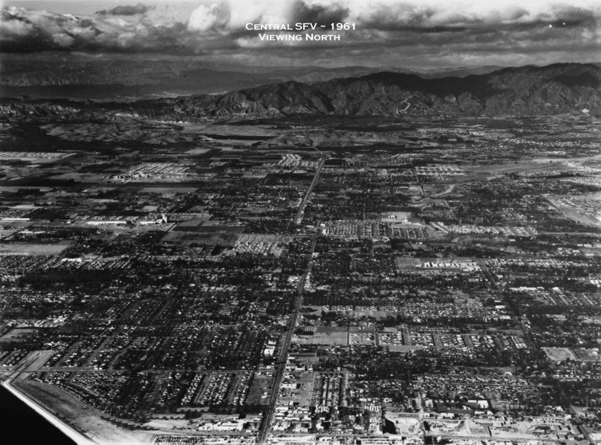 SAN FERNANDO VALLEY: (1961) – Aerial view looking north