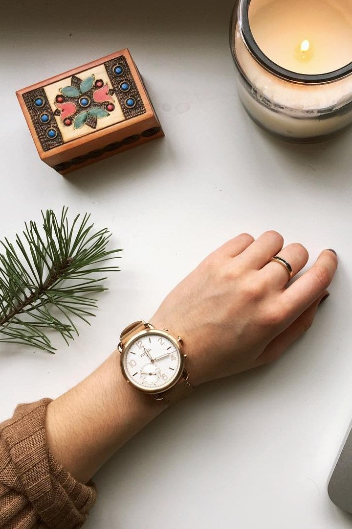 The Q Tailor hybrid smartwatch lets us know it's time for winter candles and holiday decor. via magdalynnhays