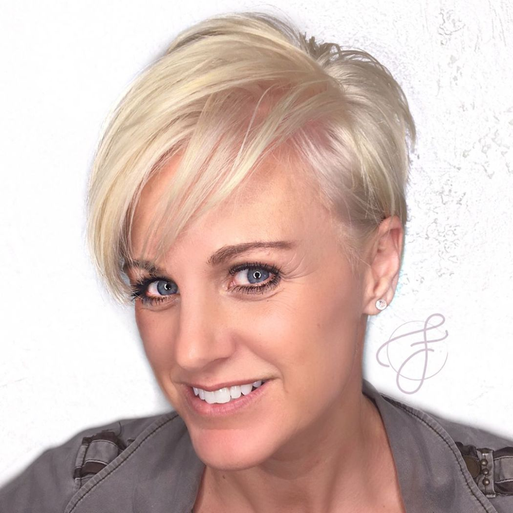 60 Most Prominent Hairstyles for Women Over 40 Short