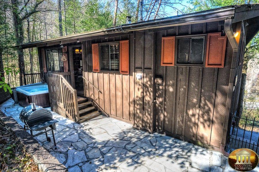Bear Foot Den Hot tub outdoor, Gatlinburg cabins, Gatlinburg