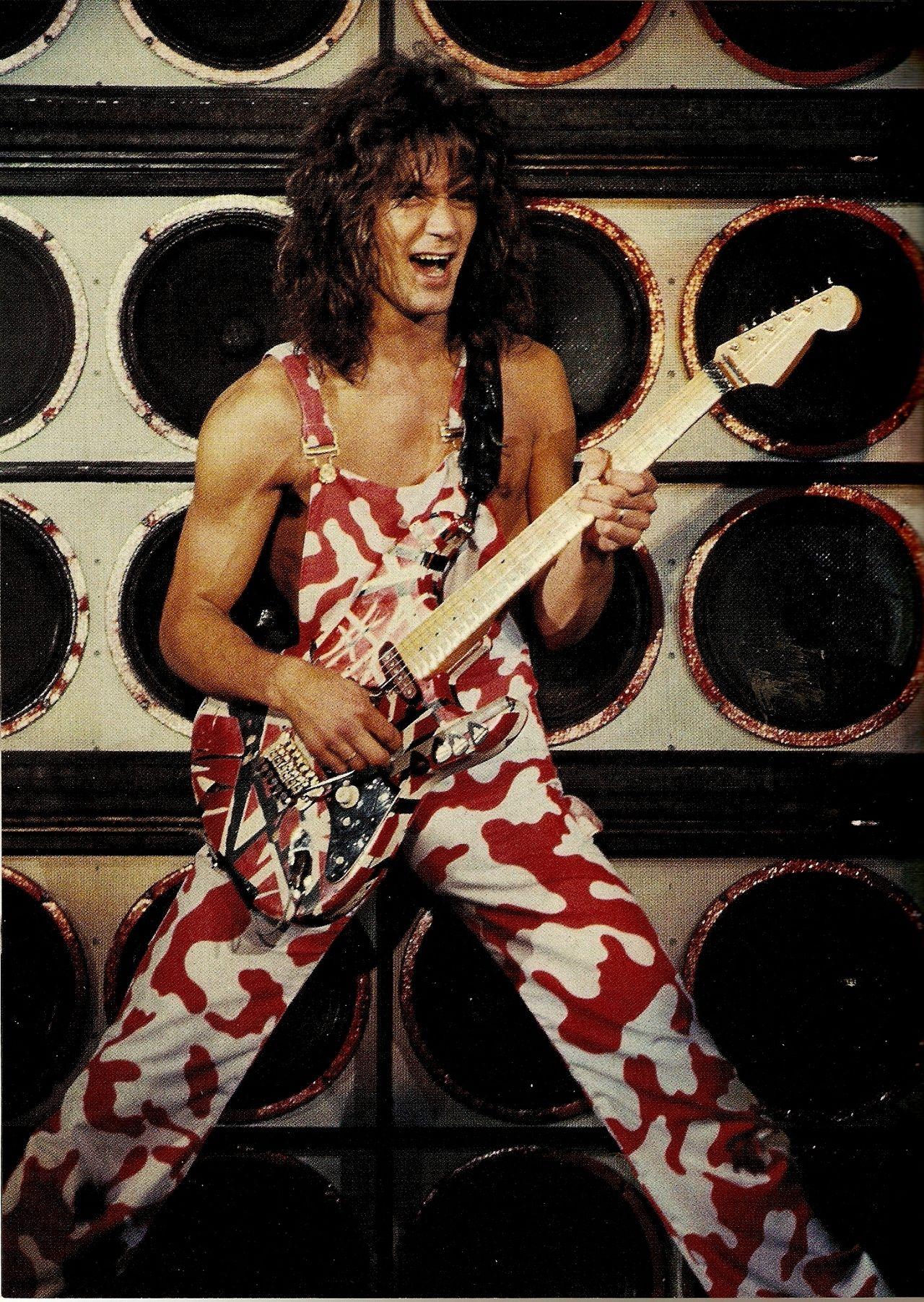 Imcrossingover Eddie Van Halen Diver Down Tour 1982 By Neil Zlozower Eddie Van Halen Van Halen Halen