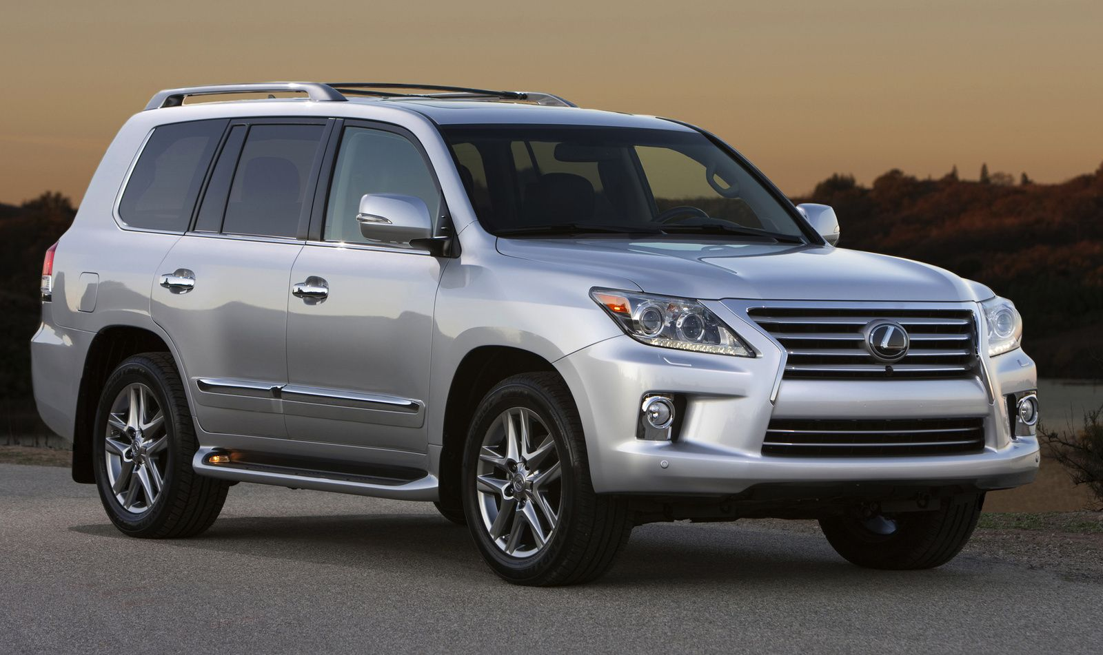 2014 Lexus Lx 570 Overview Cargurus New Car Pinterest Lexus