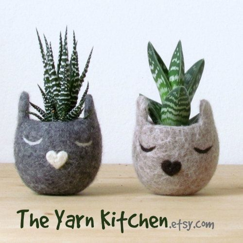 Succulent gift Felt succulent planter Neko Atsume Cute planter Small succulent pot Cat lover gift Kawaii gift for her cactus pots