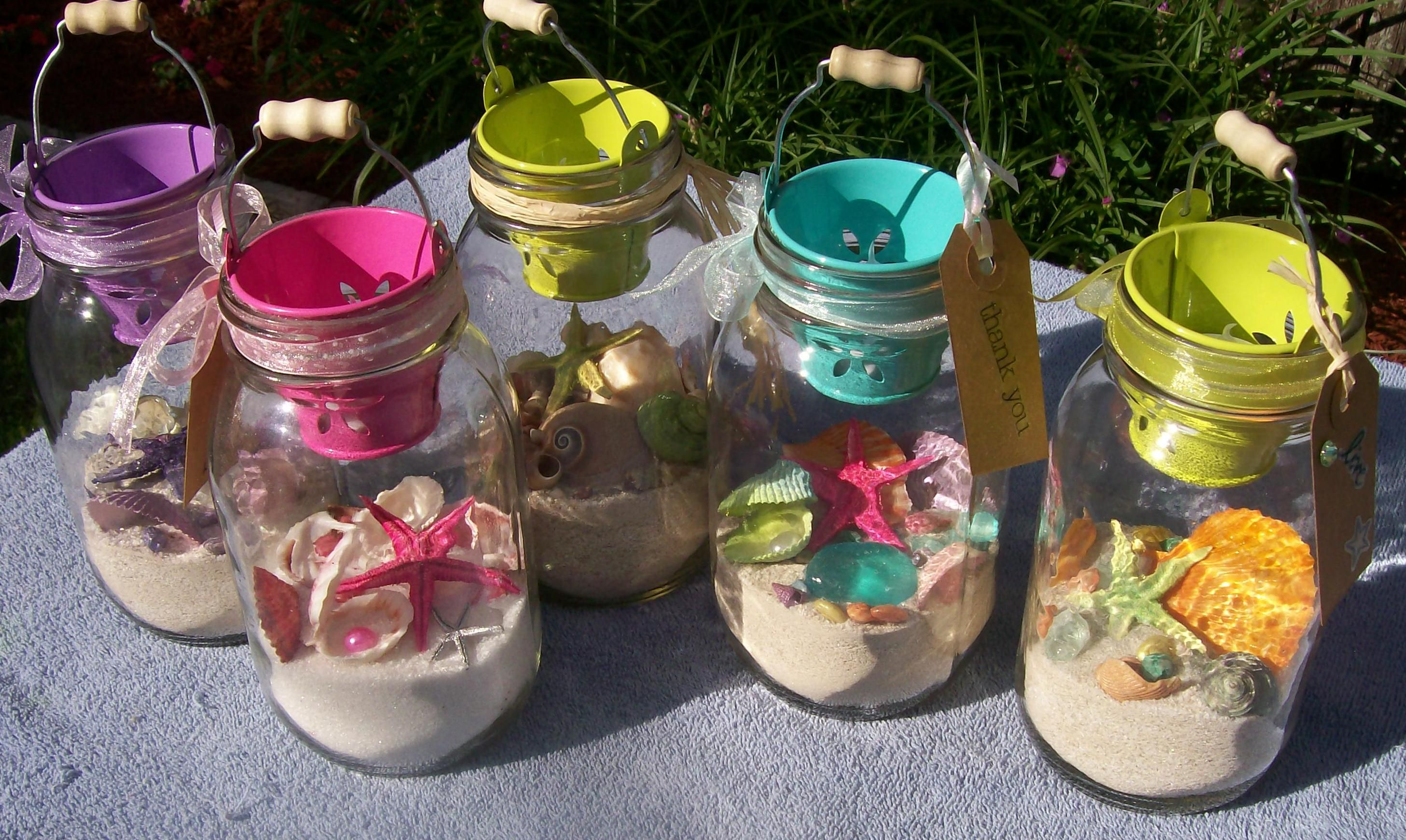 Wedding Take Away Gifts: Inexpensive Sea Shell Jars. Take Away Gifts For Beach