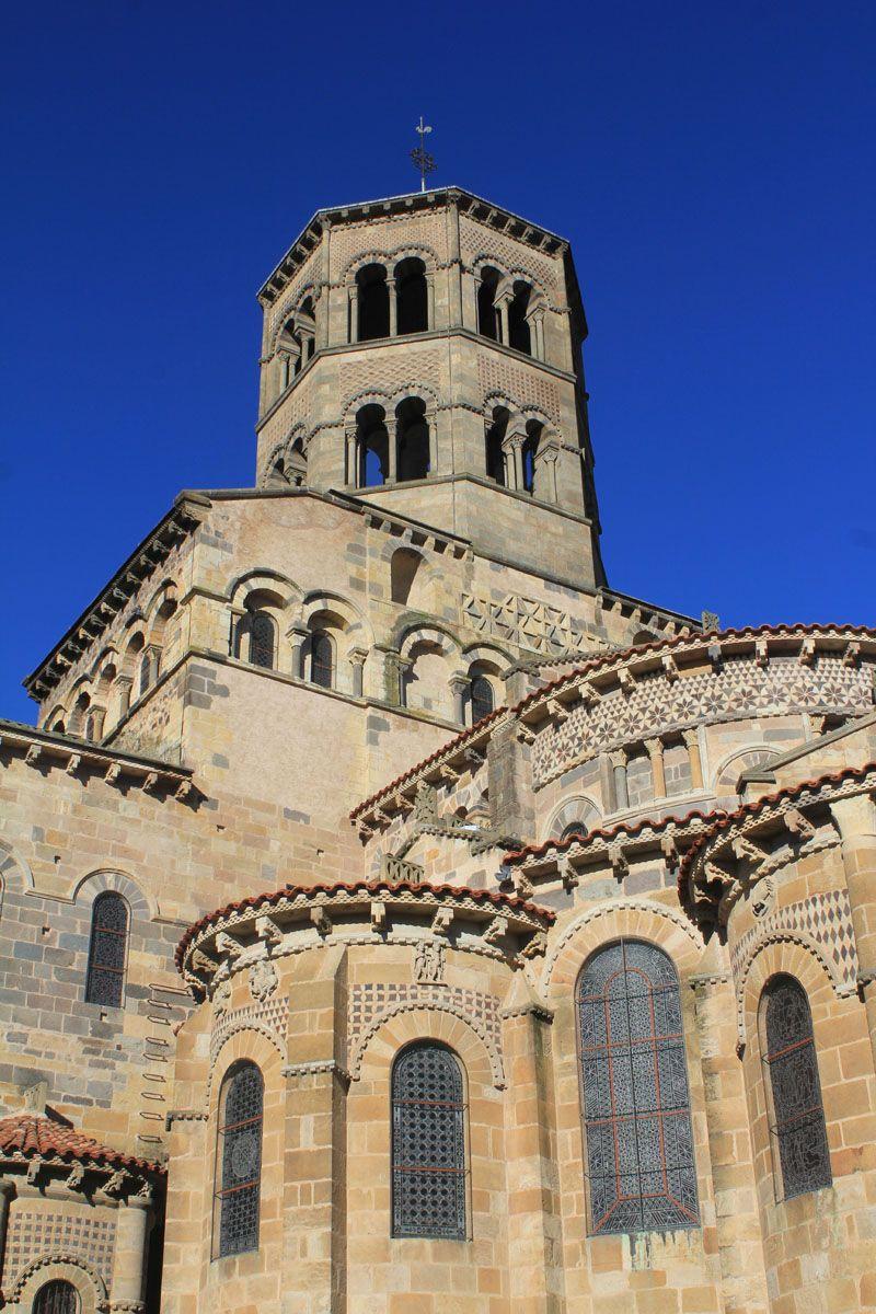 Issoire Abbatiale Saint Austremoine Architecture Romane Monument Religieux Eglise De France