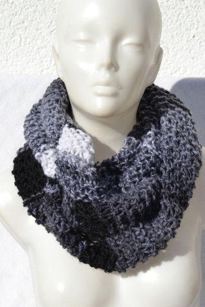 ab2708c9f7d618 gestrickt - Loop Schlauchschal Schal grau schwarz weiß meliert - ein  Designerstück von Masche21 bei DaWanda