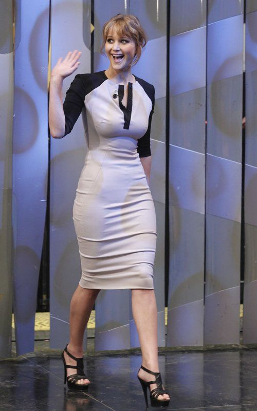 4e6baf2042c0 Jennifer Lawrence Sexy Curves and Great Legs in a Tight Dress and ...
