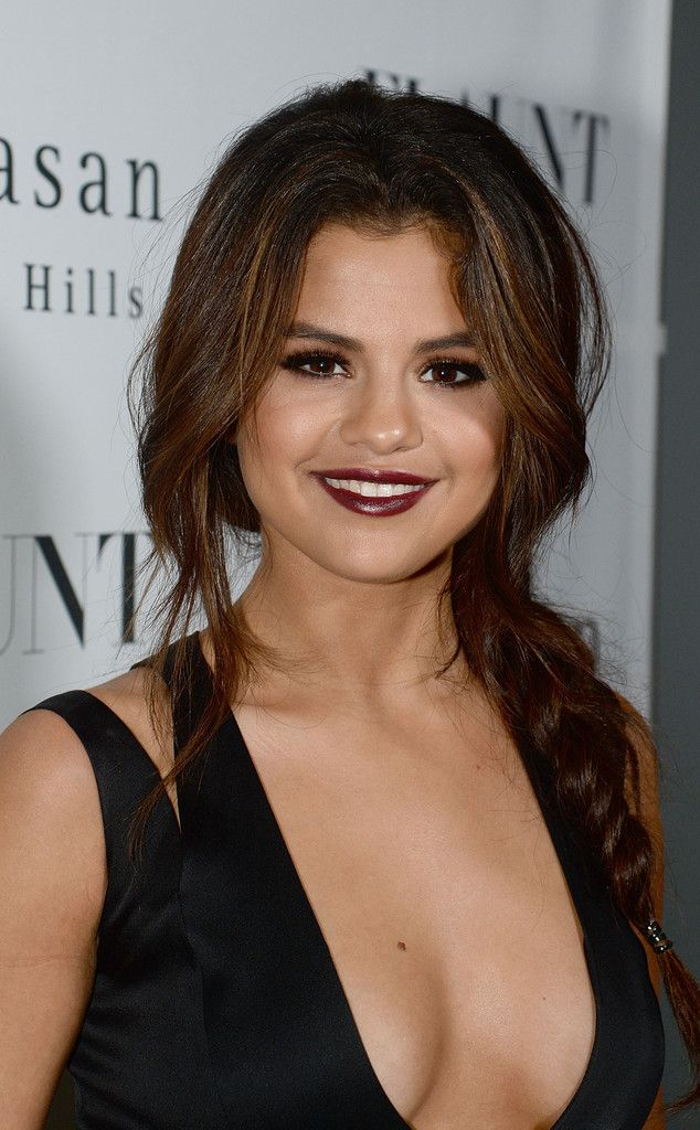 Selena Gomez Photos Photos Stars At Flaunt Magazine November Issue Party Selena Gomez Hair Selena Gomez Haircut Braids For Long Hair
