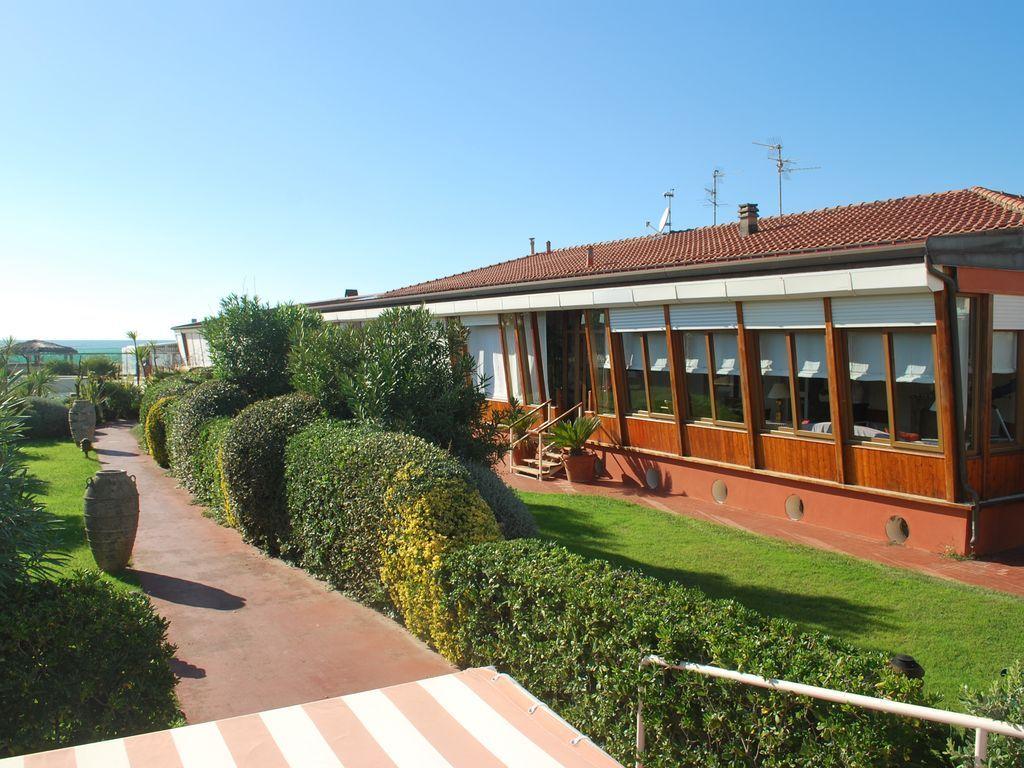 Affitto casa Viareggio Vista casa sul mare giardino