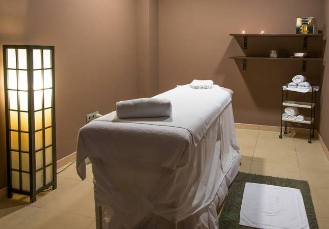 BarcelonaGolf - sala masaje.jpg (645×450)