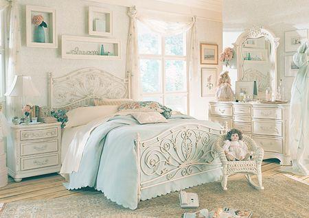Colour and bed Casa  Organização Pinterest White bedroom