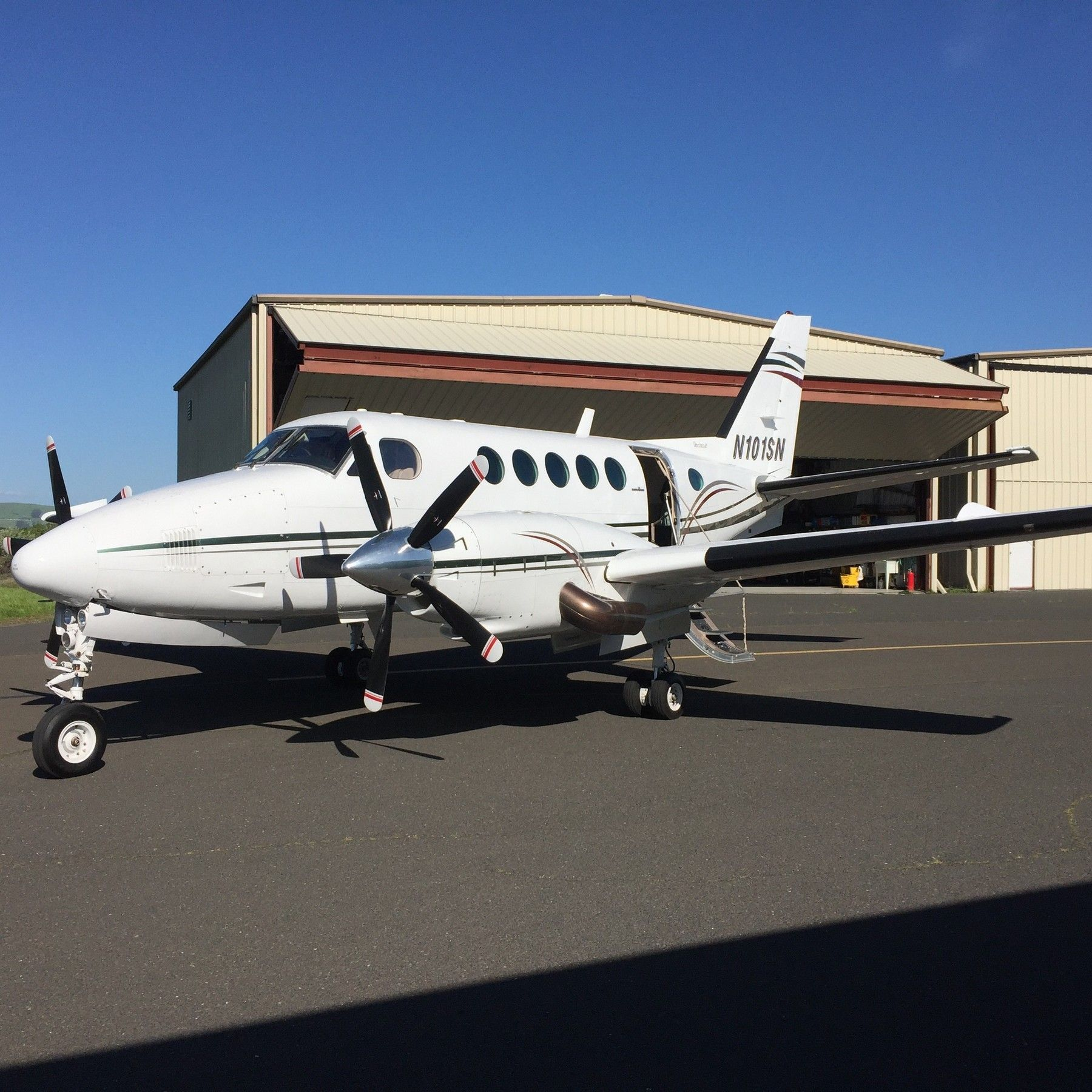 1981 Beechcraft King Air B100 for sale in Canada => www