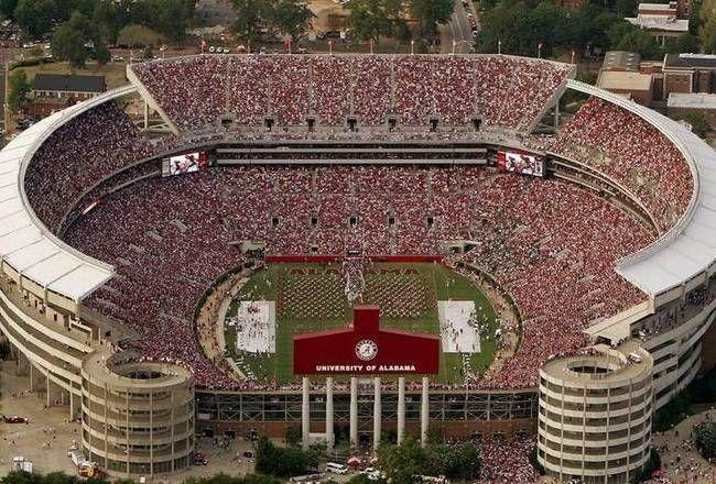 Bryant Denny Stadium Located In Tuscaloosa Alabama Is The Home Stadium For The Univ Alabama Crimson Tide Football Alabama Crimson Tide Crimson Tide Football