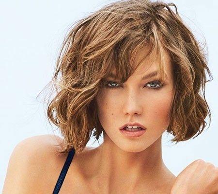 Risultati Immagini Per Capelli Mossi Medi Con Frangia Hair Pinterest