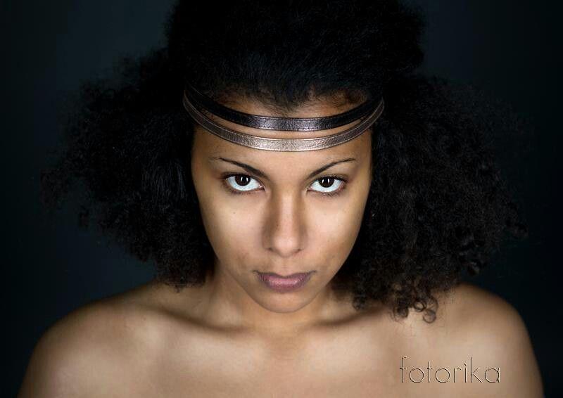 Pur, Gesicht, Modell,  Stirnreif, Locken, braune Augen, People Fotografie