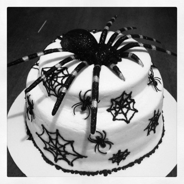 Spiderweb cake Cakes Beautiful Cakes for the Occasions Pinterest - halloween cake decorations