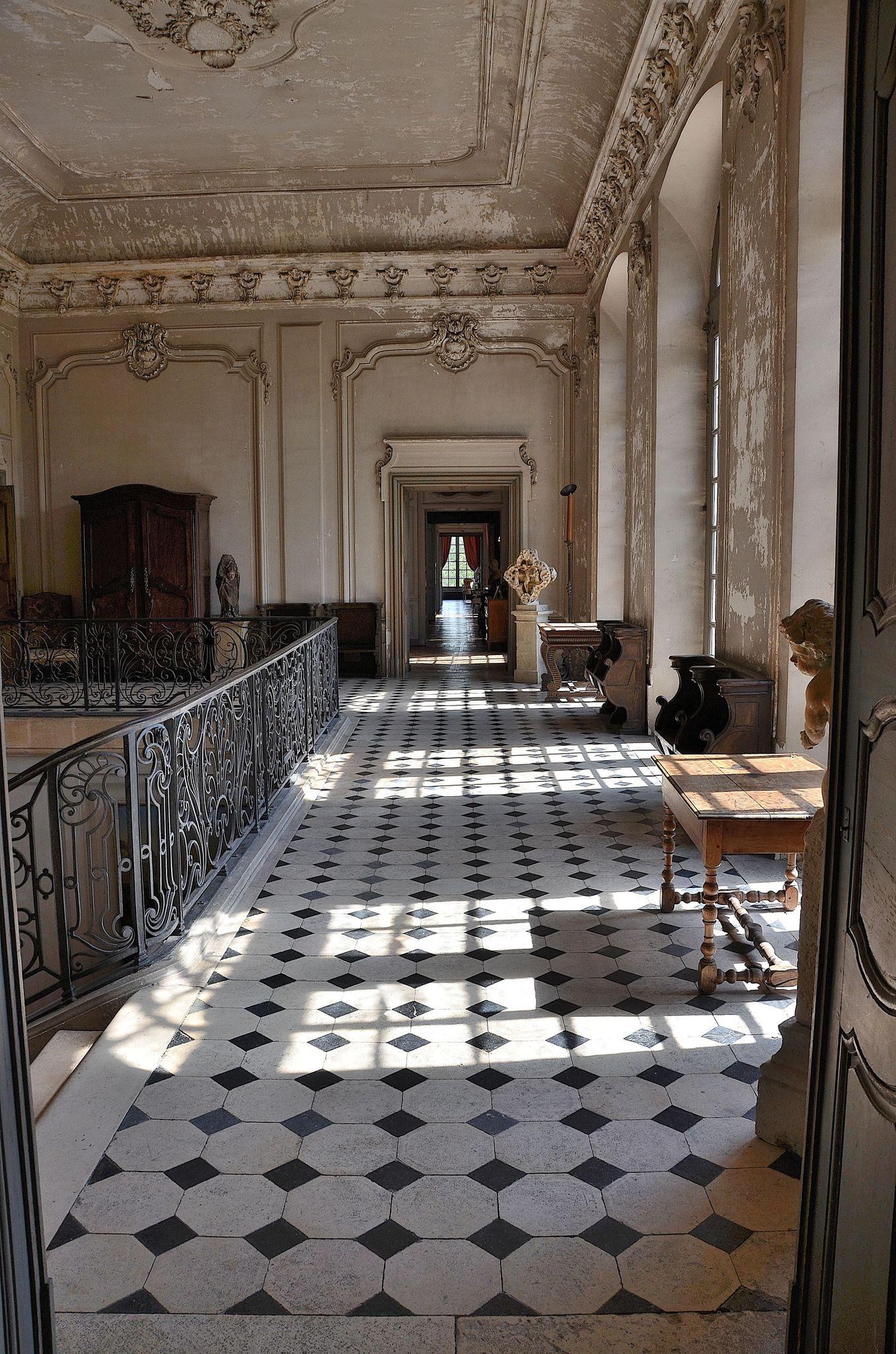 La Ferté sur Grosne Sa´ne et Loire Le ch¢teau Etage du hall d