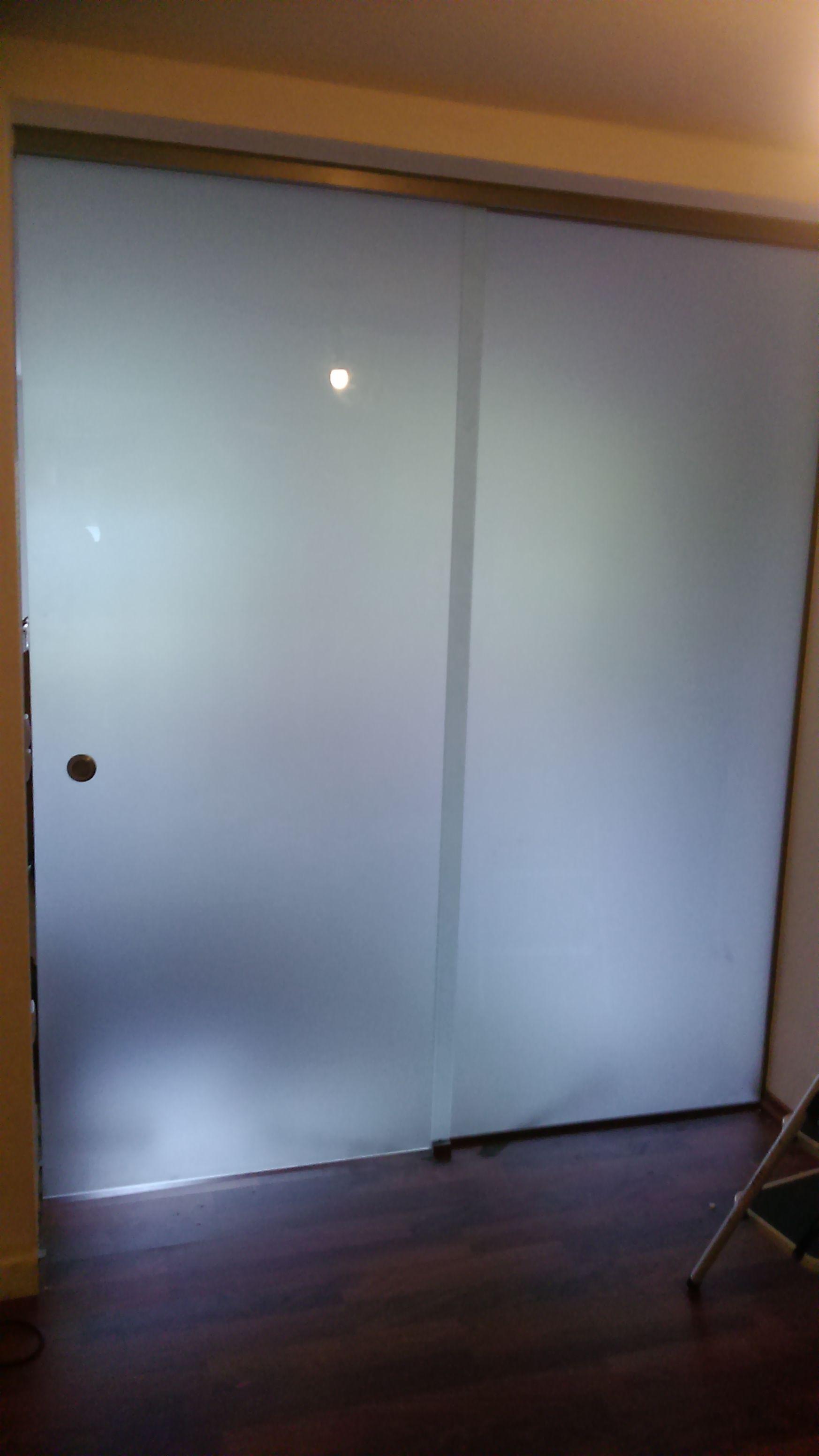 Satinierte Glastüren Badezimmer