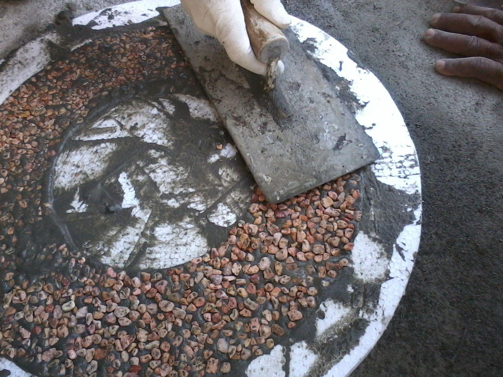Proses Pasang Batu Sikat 1 Bahan Cetakan Styrofoam Dipasang Sesuai Templek Motif