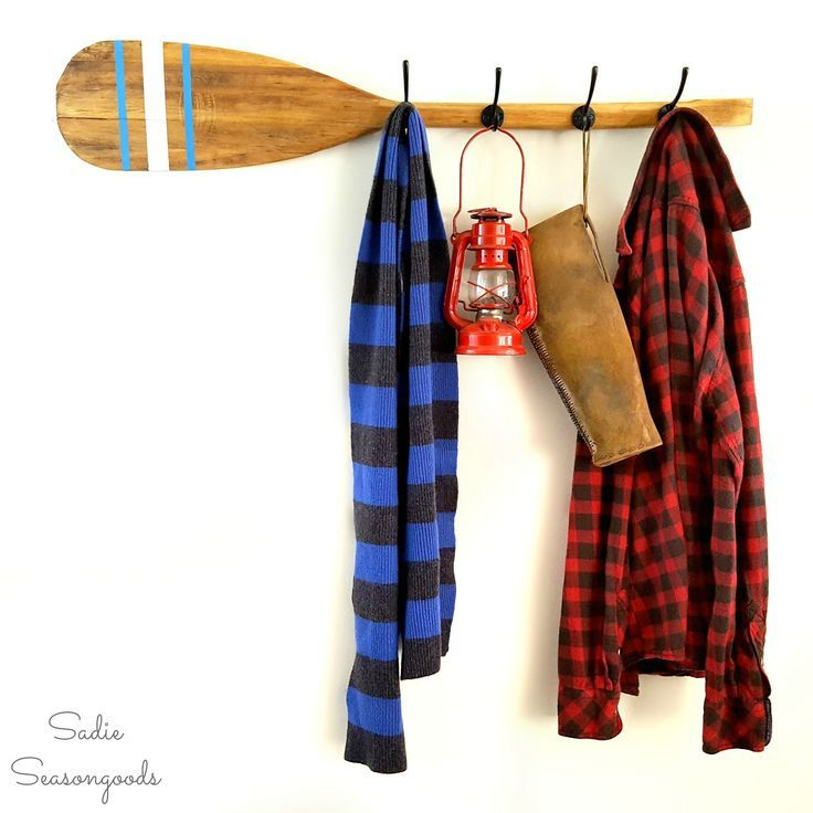 Oar Wooden Paddle As A Rustic Coat Rack And Nautical Wall Decor Diy Clothes Rack Paddle Decor Farmhouse Style Diy