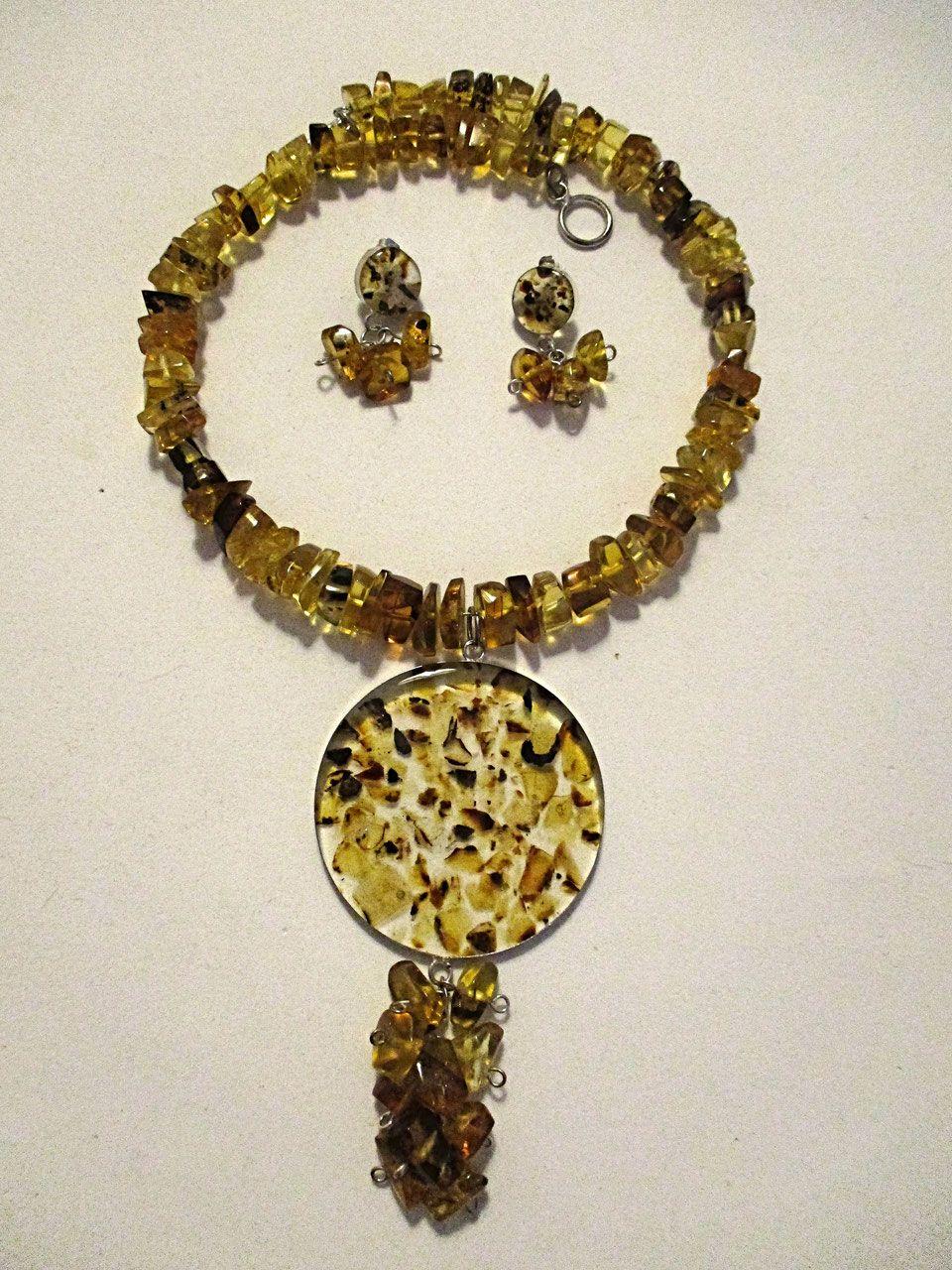 102bbf600e35 Venta de joyas de ambar importado de México. Aprovecha de los beneficios en  la salud
